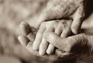 Manos_personas_mayores