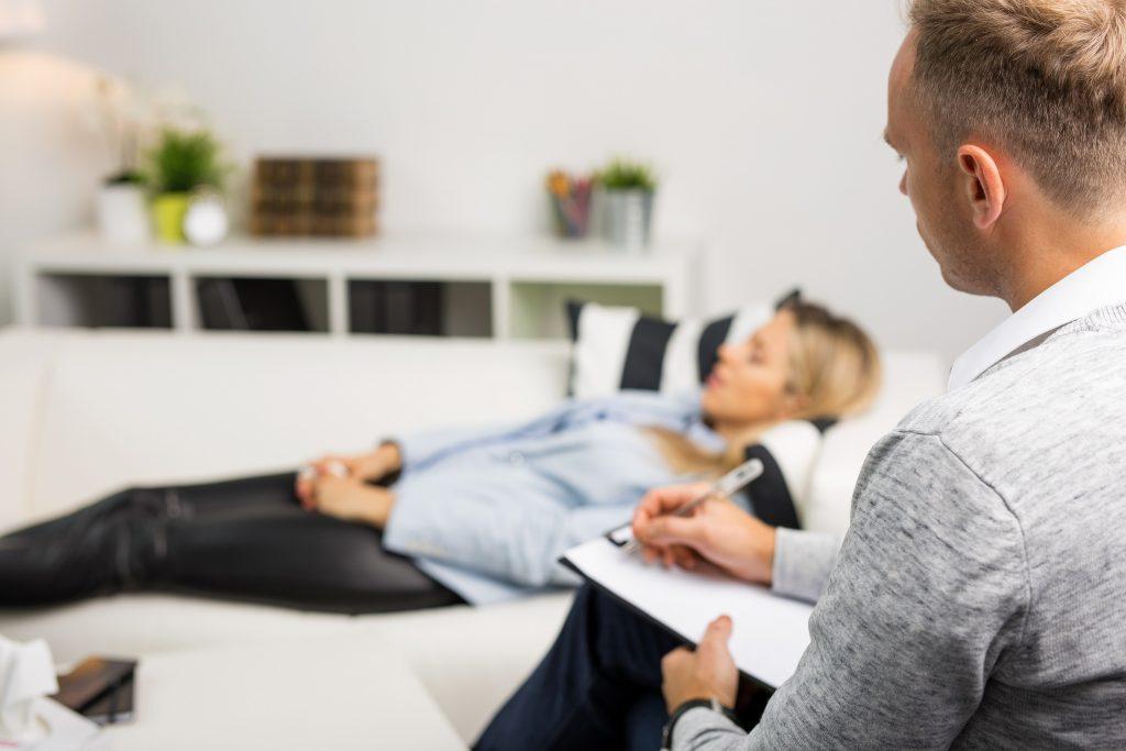 Al ser un trastorno o síndrome crónico, el diagnóstico puede hacerse a cualquier edad
