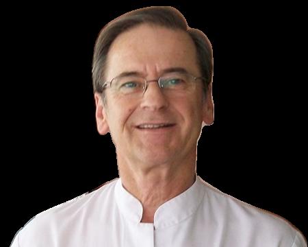 Dr. Santiago Bassas Bresca: dermatólogo en Barcelona | Top Doctors