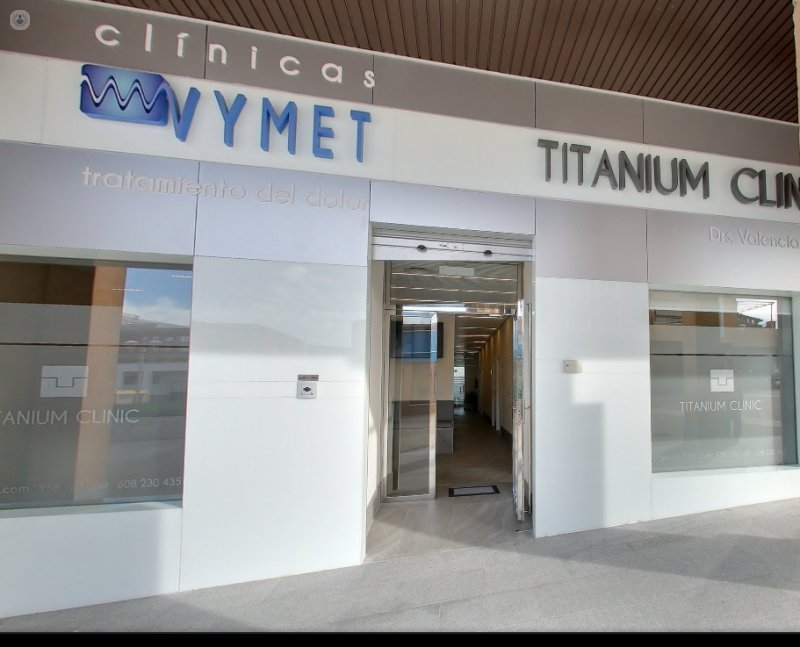 Cl nica dental titanium clinic granada top doctors - Clinicas dentales granada ...
