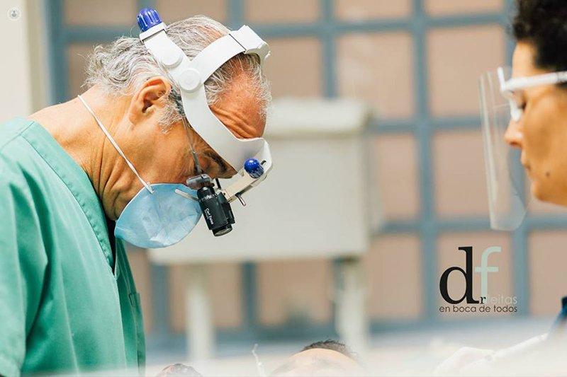 Doctora elara fleitas dom nguez dentista y odont loga en - Dentistas en las palmas ...